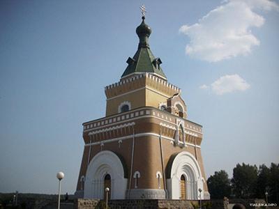церковь в лесной фото