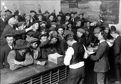 безработные на бирже труда депрессия сша фото