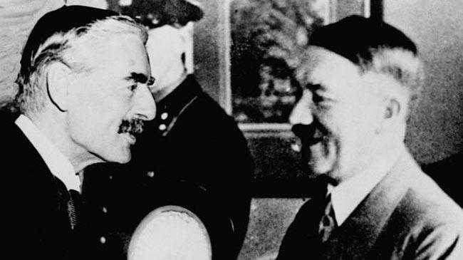 Гитлер с Чемберленом на встрече в Берхтесгадене