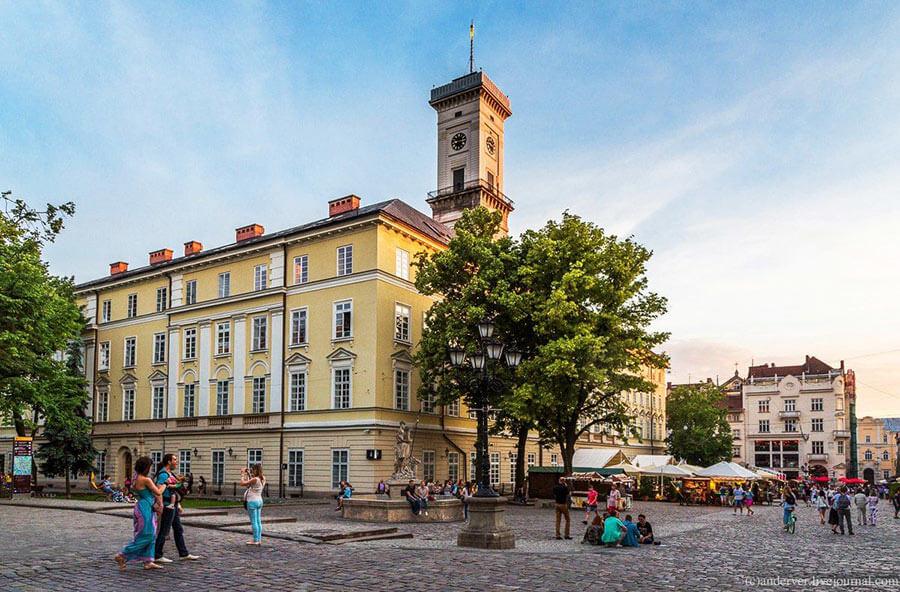 Городская ратуша во Львове