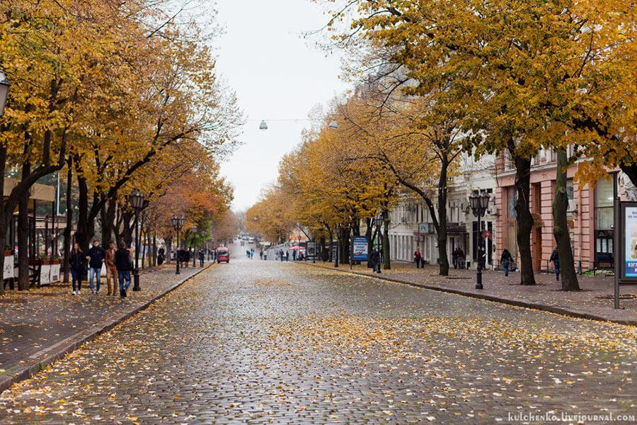 Улица Дерибасовская в Одессе