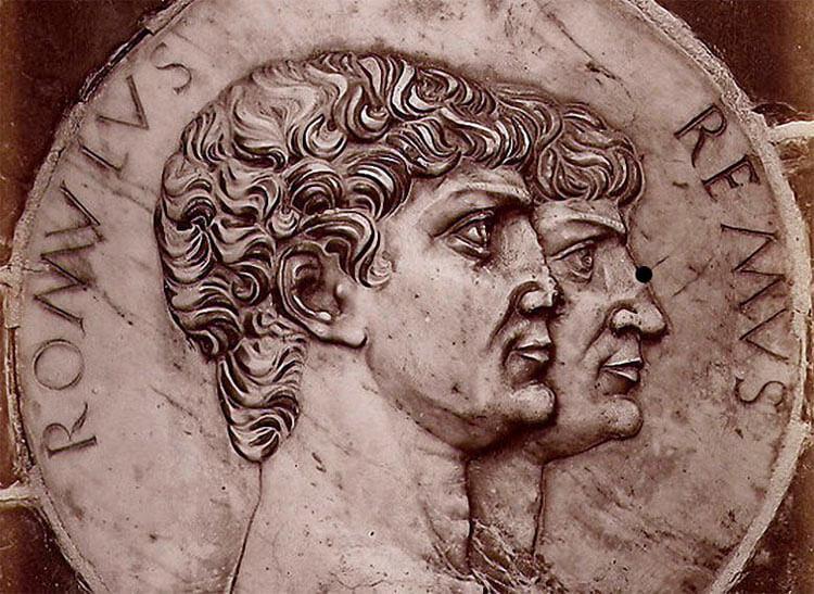Монета Ромул и Рем