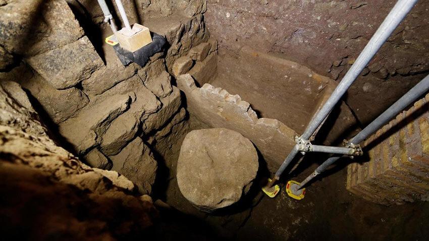Найденная гробница Ромула
