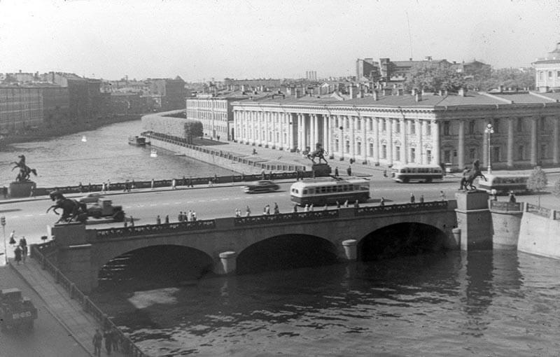 Аничков мост в советский период