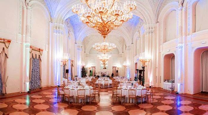 Белый зал в Мраморном дворце
