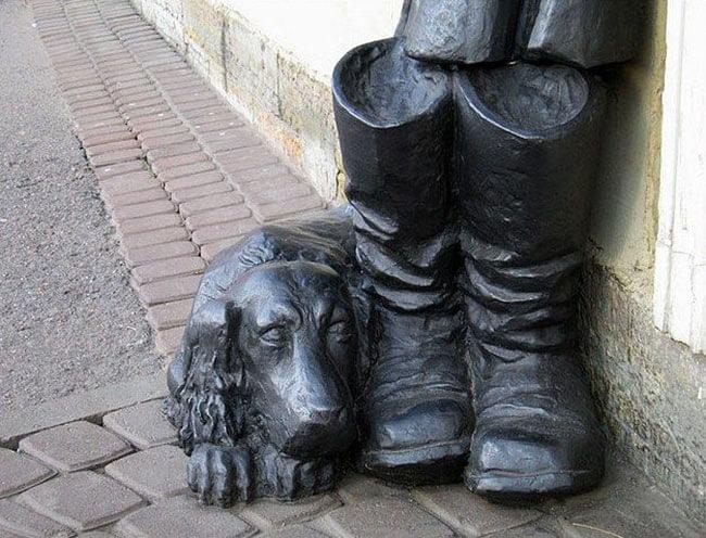 Памятник «Муму» в Санкт-Петербурге